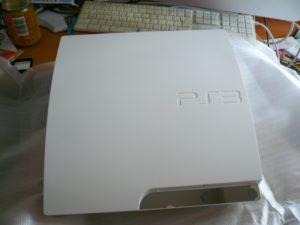 PS3本体は白です